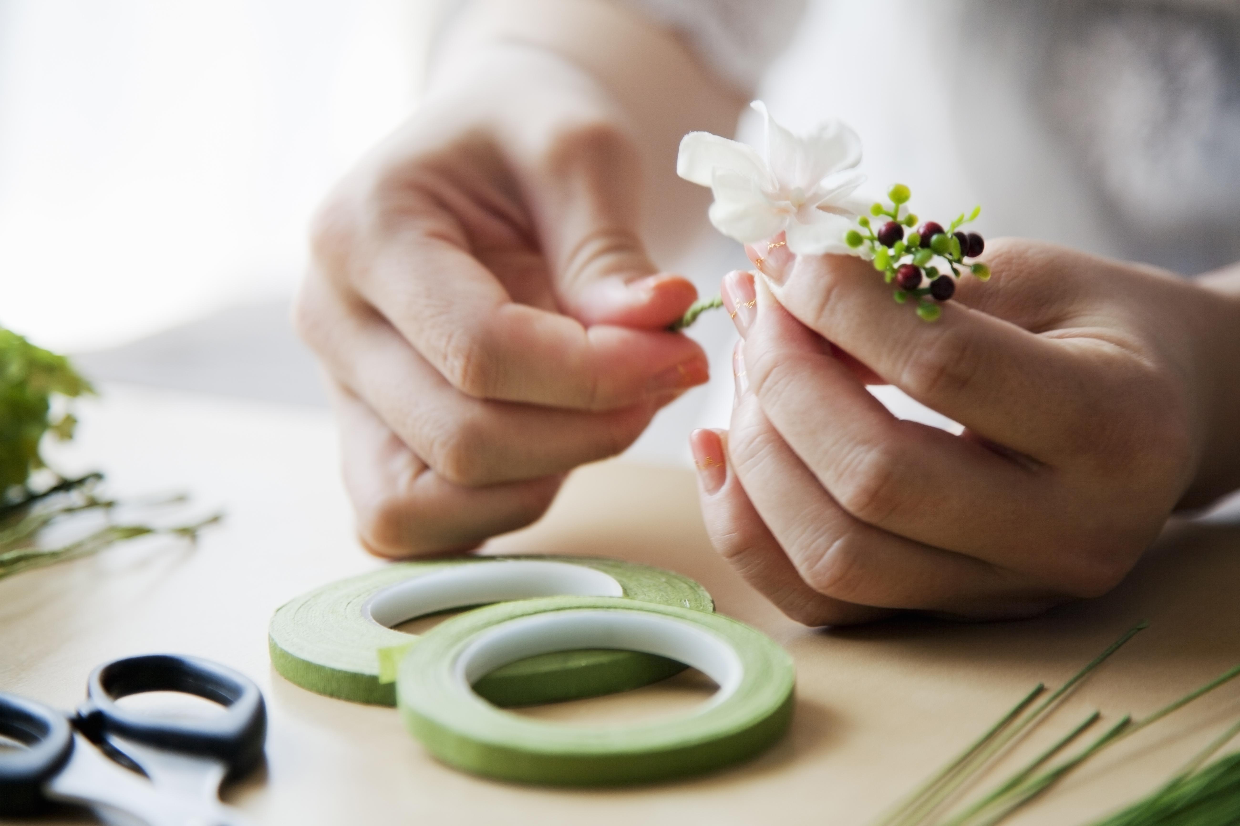 d905b4b58a63480484f74d8ede4eff5e - 9 ways to save money on your wedding flowers
