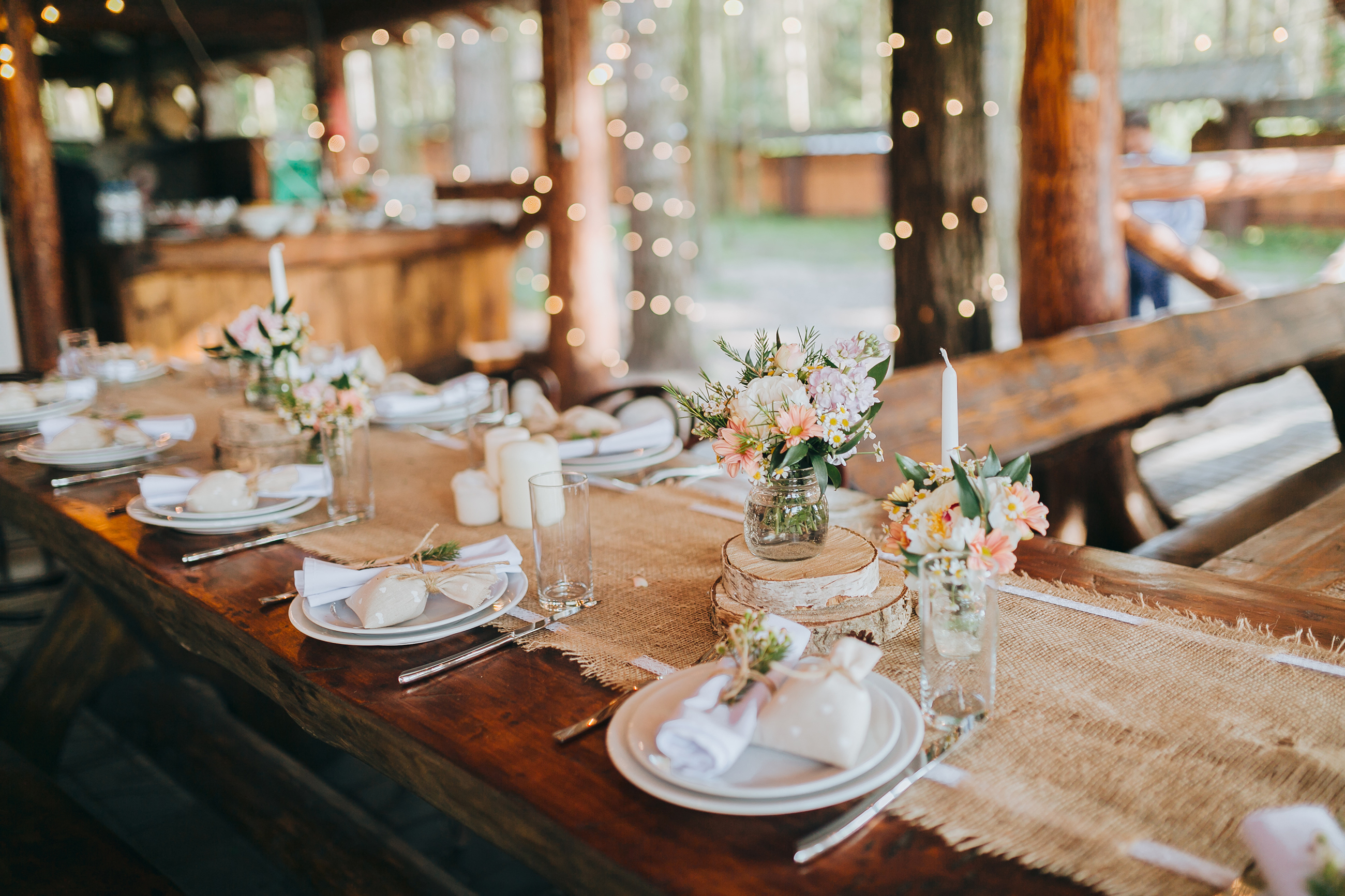 5d607dbeb3df495bb73d914e983cfda7 - 31 Smart and Easy Ways To Save Money On Your Wedding Without Cutting the Guest List