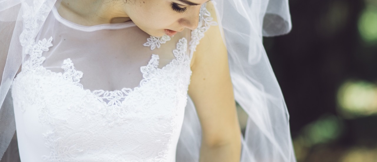 afforable wedding dress derbyshire - Insiders guide on finding the best wedding dress for your shape